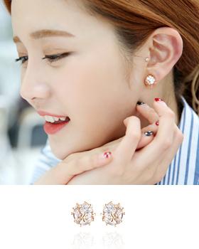 Ohttang Cubic ball earring (er1197)