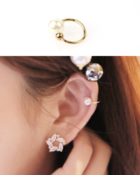 Via pearl ear cuff (er484)