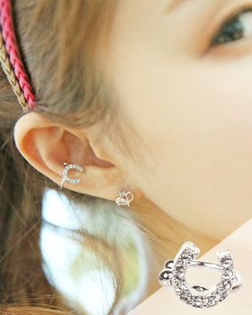Black earring (er212)