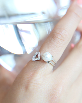 Pearl triangle ditch Ring (rg346)