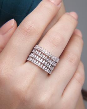 Jojo Ring (rg337)