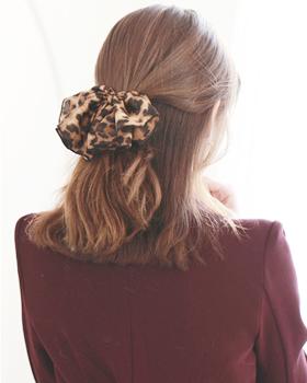 Black leopard hairpins (hp061)