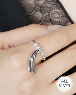 Smart tassels's Ring (rg473)