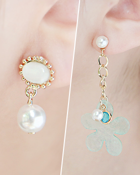 Unfolded flower earring (er1757)